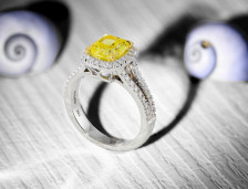 Nicki Minaj Engaged - With a a Stunning Yellow Diamond Ring | Leibish