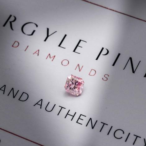 0.50 carat, Fancy Intense Pink, Radiant Shape, VS1 Clarity, GIA & ARGYLE, SKU 211830