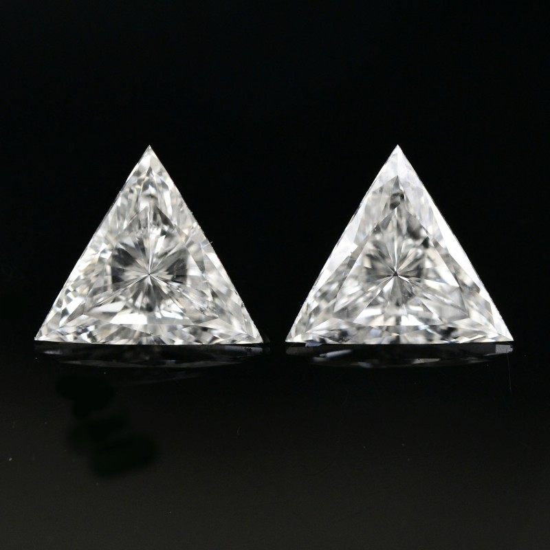 Colorless Triangle Diamond