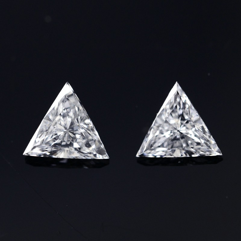 Colorless Triangle Diamond