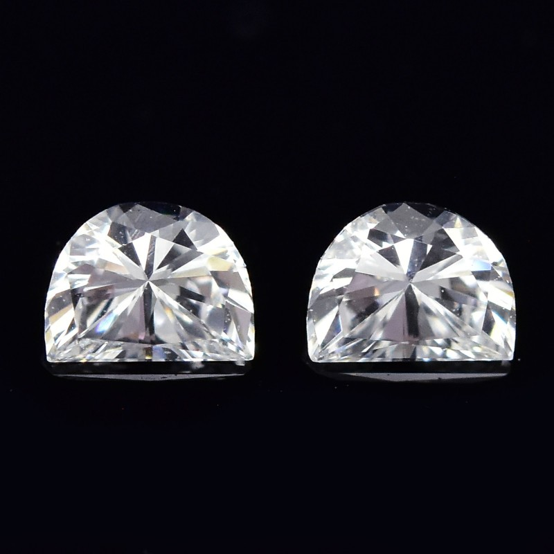 Colorless Half Moon Diamond