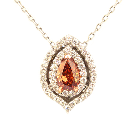 Anhänger mit doppelter Umrandung mit birnenförmigem Diamant in Fancy Deep Brownish Pinkish Orange, 0,50 Karat