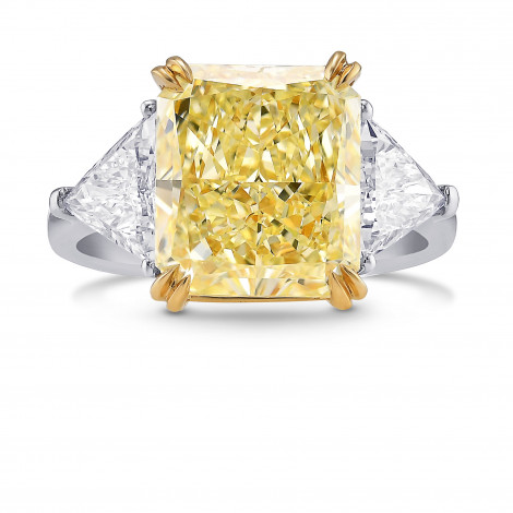 Fancy Light Yellow Radiant and Triangle 3 Stones Diamond Ring, ARTIKELNUMMER 391899 (6,16 Karat TW)
