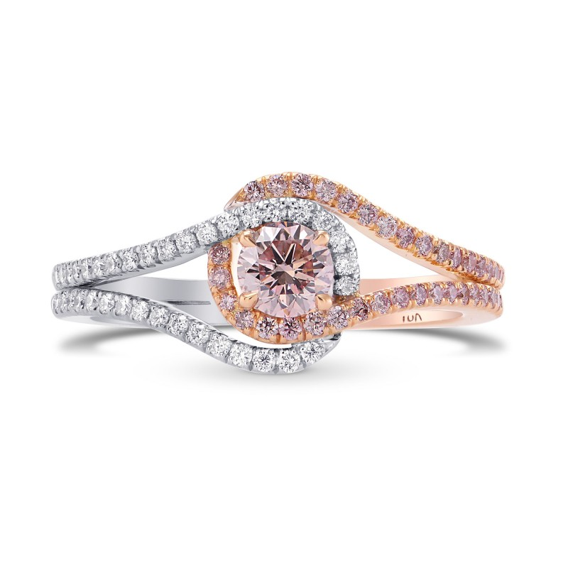 carat problem there a by ring very blog naturally is sotheby diamonds light diamond s engagement rings pink colored with