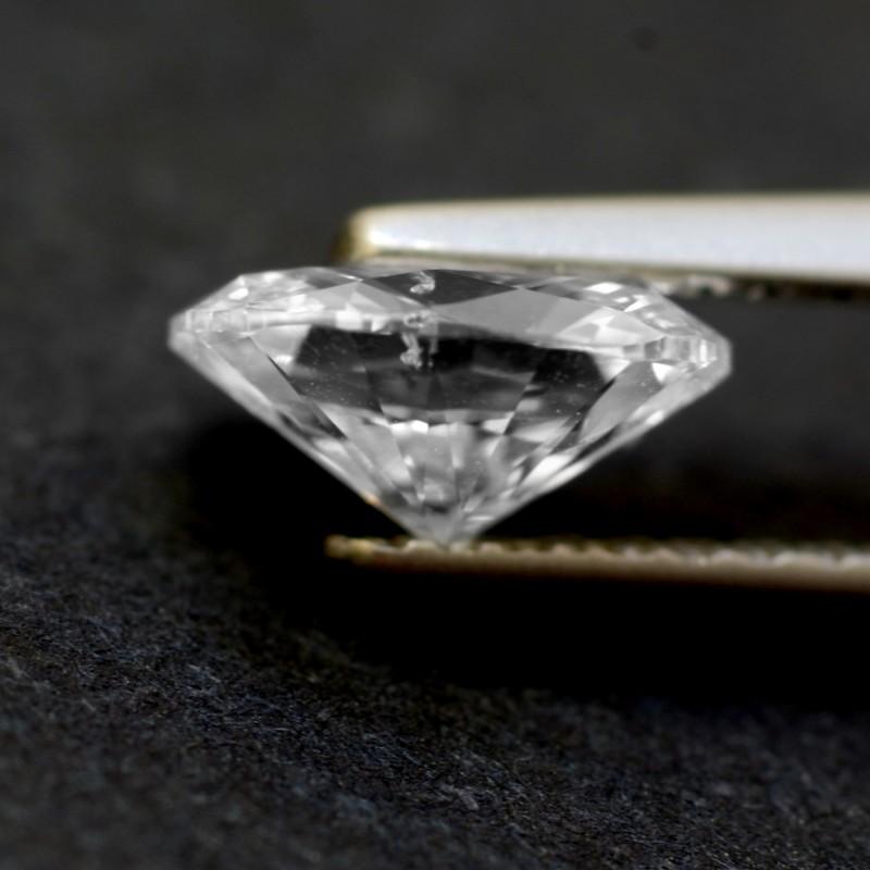 Side angle of a 0.80 ct diamond