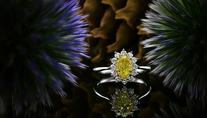 A natural yellow diamond ring