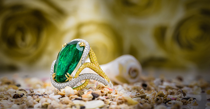 Emerald Pear & Yellow Diamond Designer Ring (9.72Ct TW)