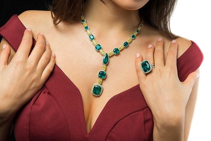 Extraordinary Emerald & Yellow Diamond Necklace (64.64Ct TW)