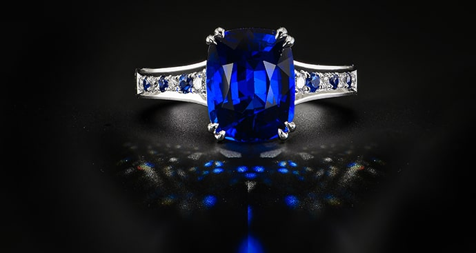Vivid Blue Cushion Sapphire & Diamond Ring (3.93Ct TW)