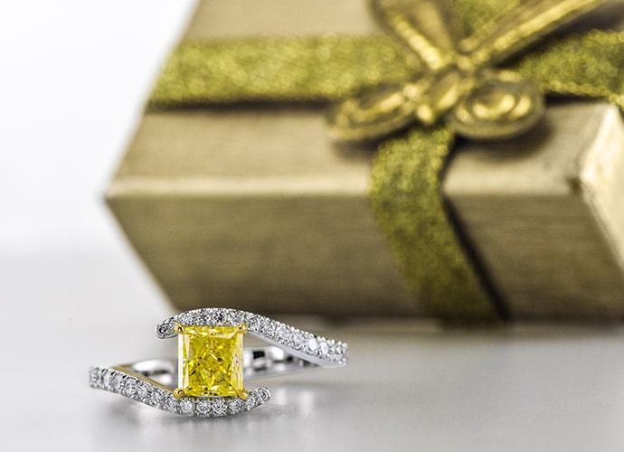 Fancy Intense Yellow Princess-cut Diamond Ring (1.15Ct TW)