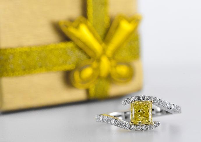 Fancy Intense Yellow Princess-cut Diamond Ring, SKU 301552 (1.15Ct TW) Fancy Intense Yellow Princess-cut Diamond Ring, SKU 301552 (1.15Ct TW) Fancy Intense Yellow Princess-cut Diamond Ring, SKU 301552 (1.15Ct TW) Fancy Intense Yellow Princess-cut Diamond Ring, SKU 301552 (1.15Ct TW) PreviousNext Video Fancy Intense Yellow Princess-cut Diamond Ring (1.15Ct TW)