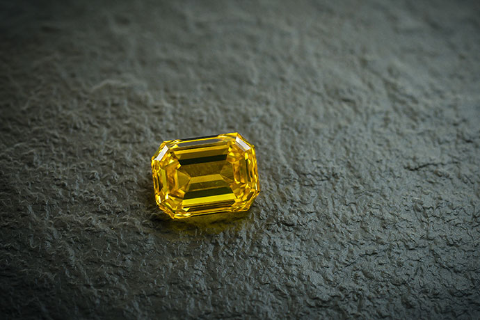 A 3.07ct fancy vivid orangy yellow diamond