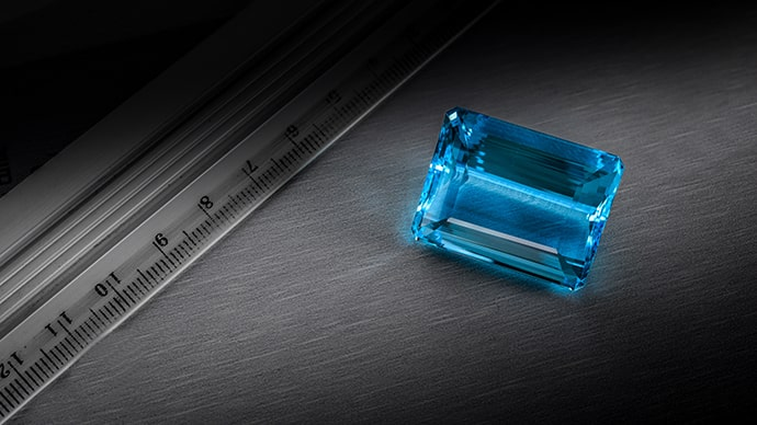 An 81.07 carat AQUAMARINE