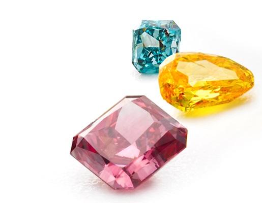 The amazement of color diamonds