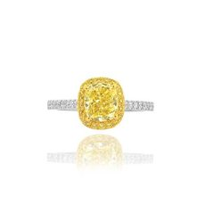 yellow cushion shape diamond white and yellow diamonds halo engagment ring