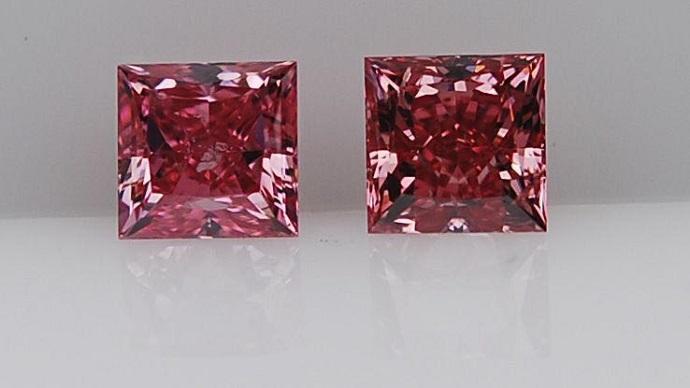 Matched pair of Argyle Fancy Vivid Purplish Pink, Princess Cut Diamonds