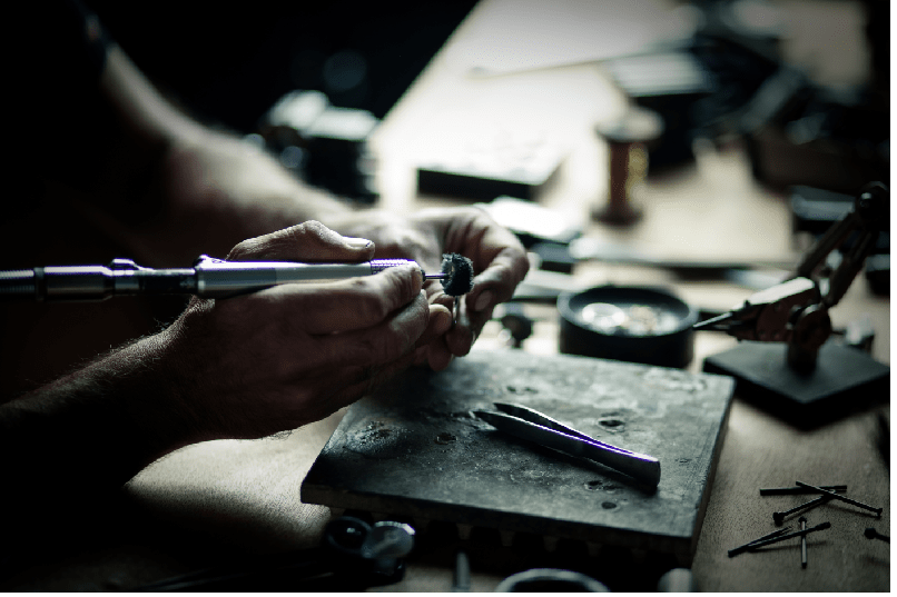 Professional Jewelry Setting and Polishing at Leibish & Co.